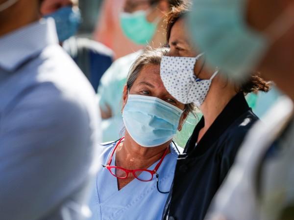 Целият свят разхлаби мерките срещу коронавируса, но както се и