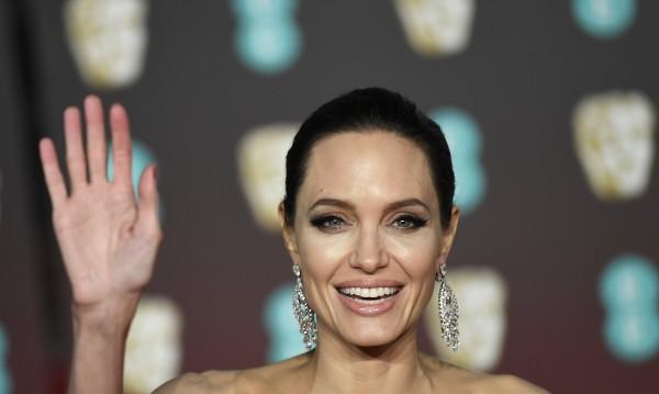 Тенденции в роклите: Изборът на Джоли за пазар