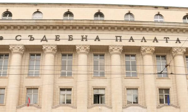 Искат постоянен арест за прокурора, вилнял в УМБАЛ-Плевен