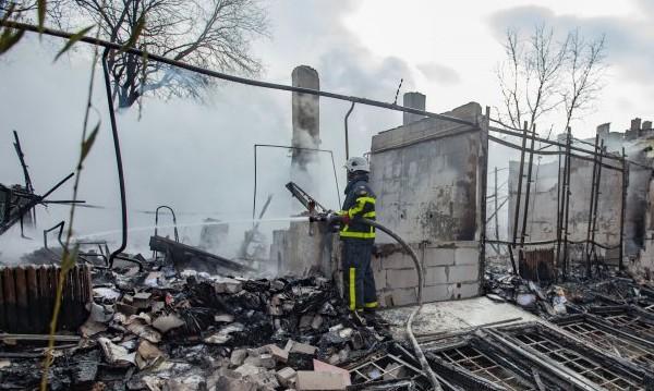 Пожар пламна в завод за пластмаса в Средец