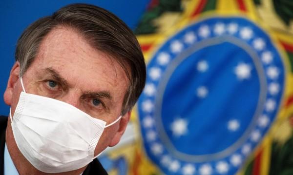 Президентът на Бразилия с положителен тест за COVID-19