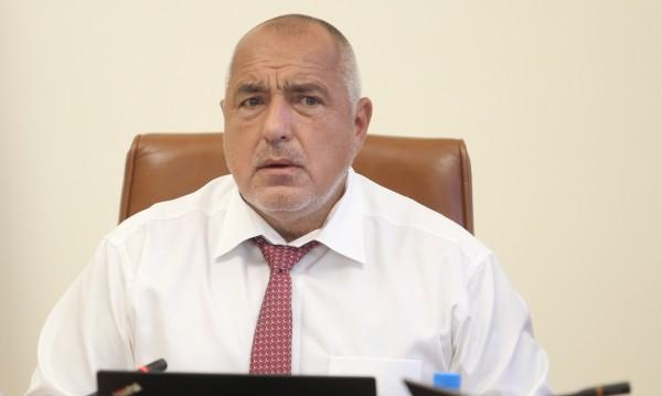 Борисов пита: Не можем ли да се пазим без заповед, в повече ли е демокрацията?