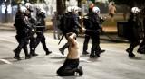 Десетки полицаи и граждани ранени в Белград