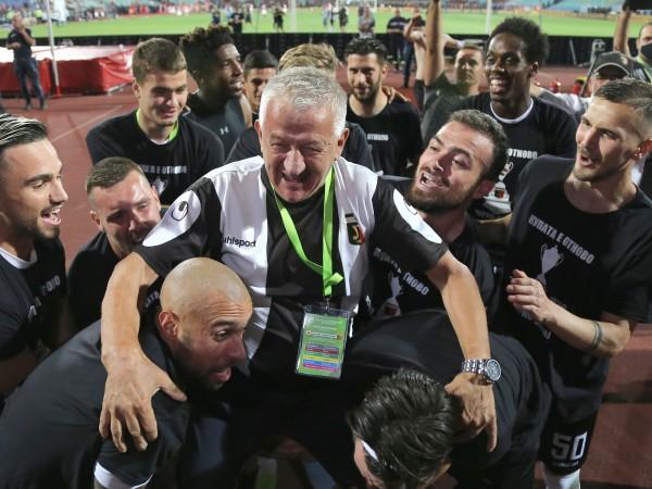 Трима футболисти на Локомотив Пловдив са със симптоми на коронавирус,