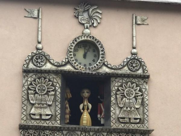 Любимият на малки и големи часовник с кукли на Държавен