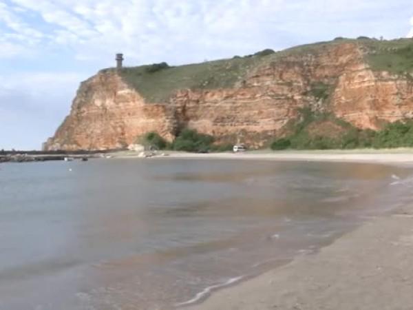 По 1000 лева глоба за спиране върху пясъка получиха през