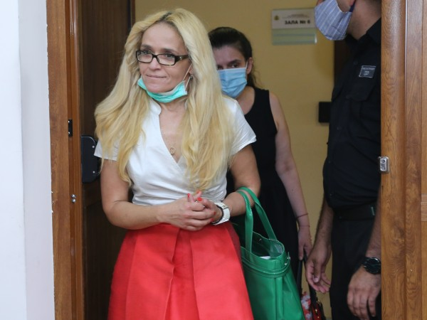 """Десислава Иванчева, бивш кмет на столичния район """"Младост"""", продължава да"""