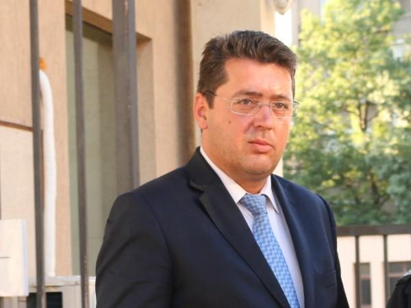 Секретарят на президента Пламен Узунов е арестуван. След бизнесмена Пламен
