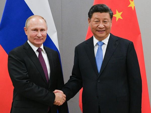 Китайският президент Си Цзинпин проведе телефонен разговор с руския президент