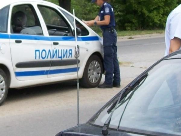 Двама младежи от Тетевен са били задържани за притежание на
