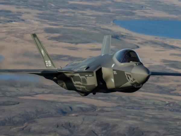 САЩ одобриха продажбата на 105 бойни самолета пето поколение F-35