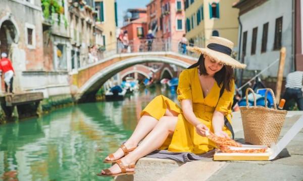Модните тенденции при летните рокли