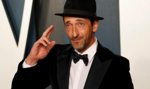 Хю Лори, Дани Трехо... Кои са най-известните грозници в Холивуд?