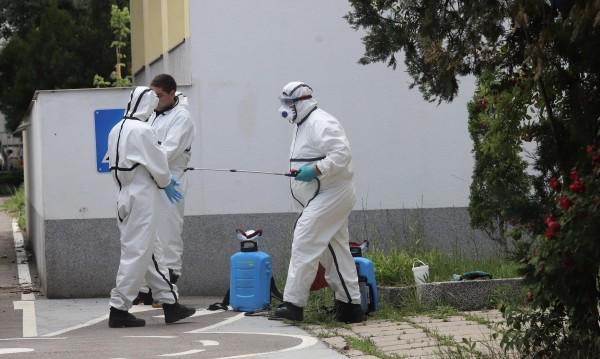 Продължава дезинфекцията на обществени пространства в София