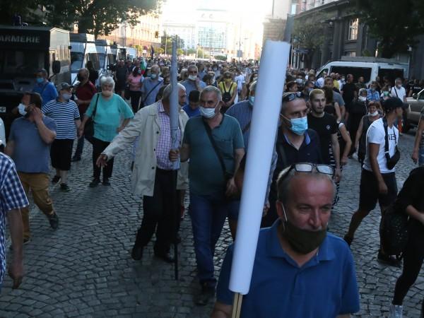 Напрежение се породи след двата протеста, които се проведоха пред