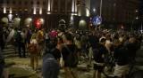 Напрежението на протестите ескалира - протестиращи и полиция се сбиха