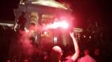 Протестиращите в Белград нахлуха в сградата на парламента