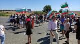 Протестиращи блокираха пътя Русе-Варна и Русе-Кубрат
