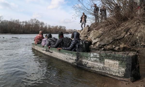 Мигрантите актуват отново Европа, 500 за два дни