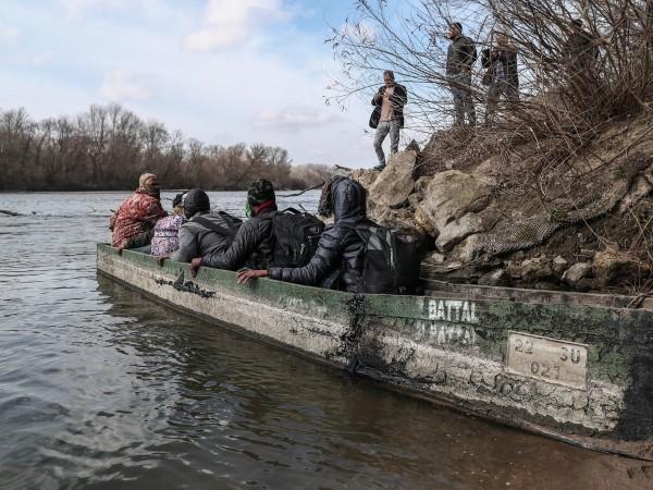Над 500 нелегални мигранти са пристигнали последните два дни на