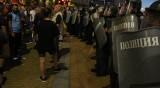 Двама ранени полицаи при снощния протест в София