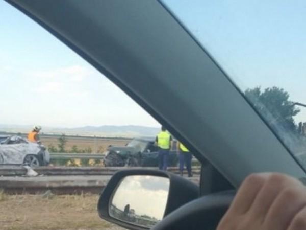 """Шест са жертвите на тежка катастрофа на автомагистрала """"Тракия"""" при"""