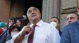 Правителството няма да подаде оставка, протестите – демокрация