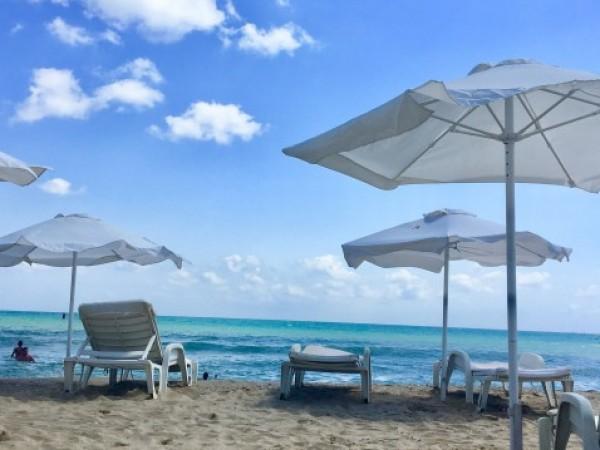В разгара на лятото курортите по Северното Черноморие остават празни,