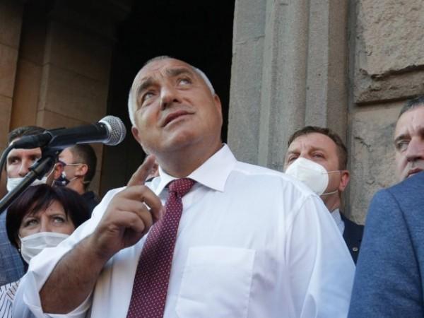 Работодатели и синдикати отправиха призив за стабилност и спиране на