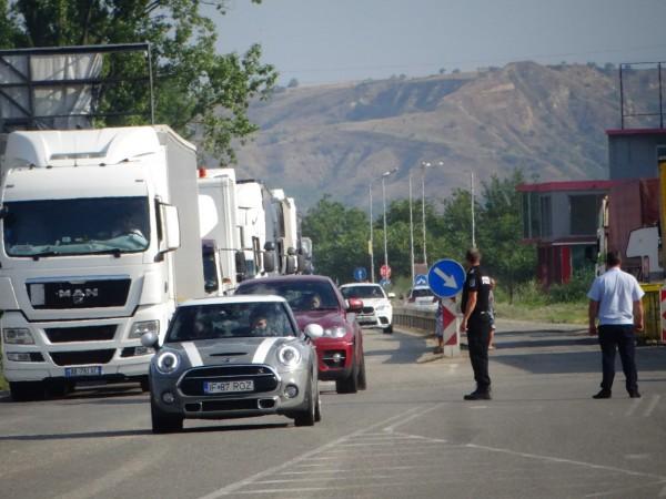 Гръцките власти съобщиха, че засега на дневен ред не се