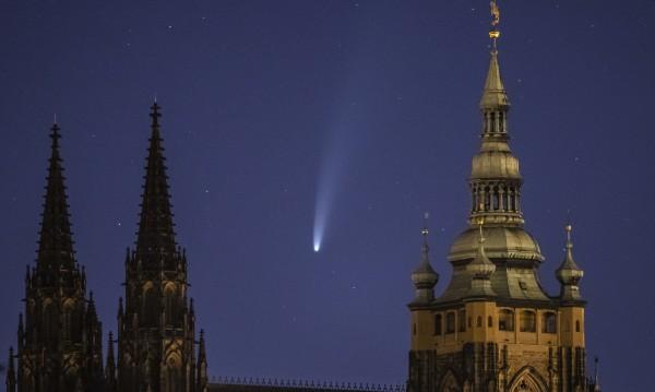 Как можем да видим най-ярката комета NEOWISE и от България?