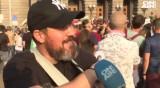 Горда българка с носия и мъж с тъпан: Кои са лицата на протеста?
