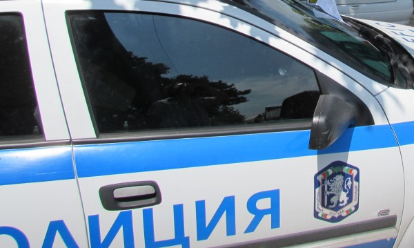 Арестуваха млад мъж, счупил стъкло на кола край БНБ
