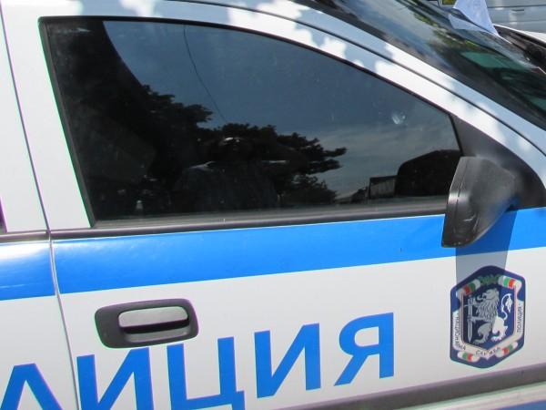 33-годишен мъж е задържан в Първо РУ-СДВР, след като счупил