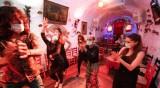 Страх от втора вълна в Испания – пияни туристи не спазват мерките
