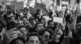 Овните-водачи, Лъвовете-снимат... Какво правят зодиите на протест?
