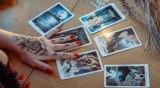 Какво вещаят картите Таро за всяка зодия?