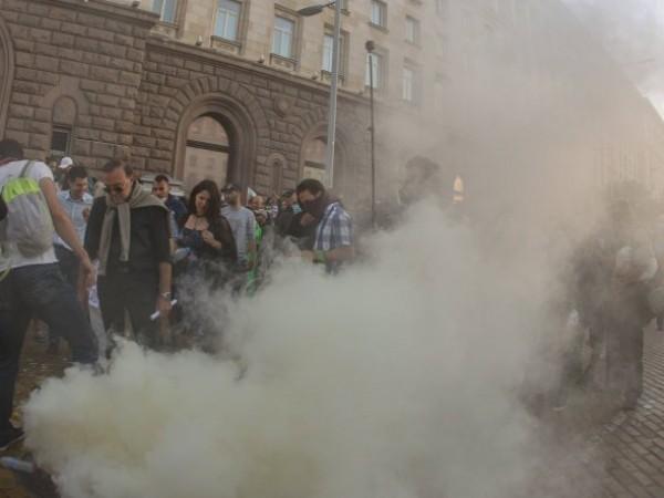 Ескалация на напрежението на протеста в София. Трима от протестиращите