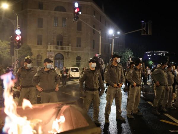 В Ерусалим се стигна до безредици при протест срещу управляващите,