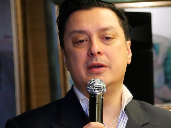 """Васил Петров се готви за националното си турне """"Symphony Way""""с"""