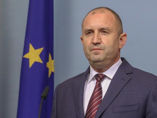 Президентът Румен Радев за пореден път призова за оставката на