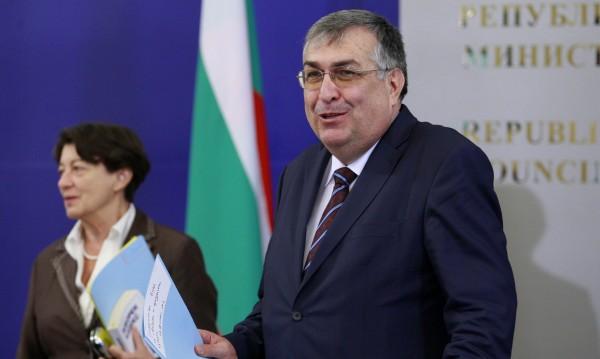 """Близнашки: Санкциите за """"Турски поток"""" ще са сериозен удар за България"""