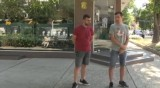 Двама русенци задържаха мъж, отграднал телефон от дете