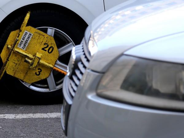 Шофьор получи глоба за неправилно паркиране във Варна, а той