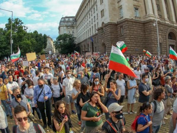 СДВР още проверява имало ли е полицейско насилие на протеста ...