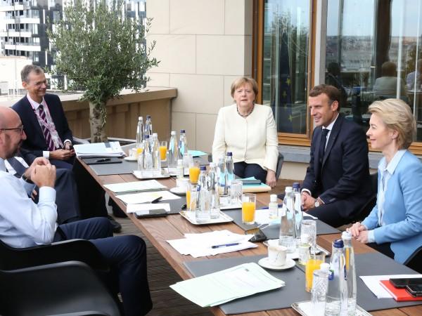 Френският президент Еманюел Макрон заяви днес, че на срещата на