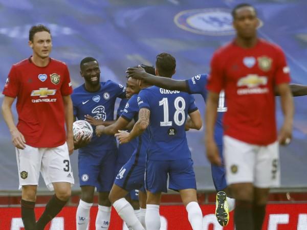 Челси шокира Манчестър Юнайтед с 3:1 във втория полуфинал за