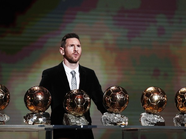 Тази година най-престижната индивидуална награда във футбола – Златната топка,