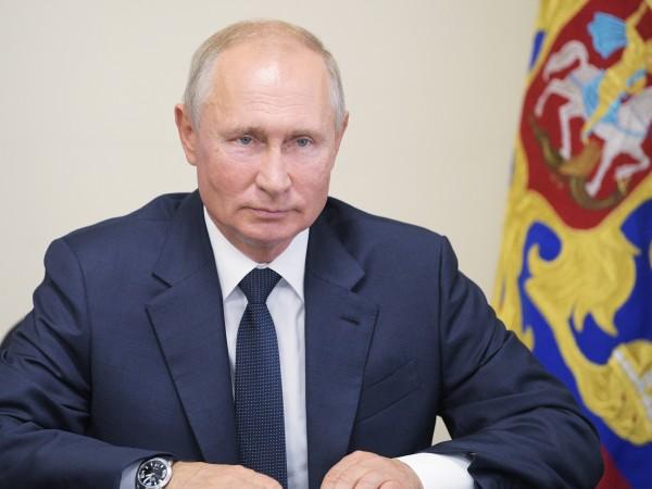 Президентът на Русия Владимир Путин уволни обвинения в организирането на