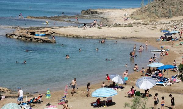 Туристите в Кипър 5 пъти по-малко от миналата година
